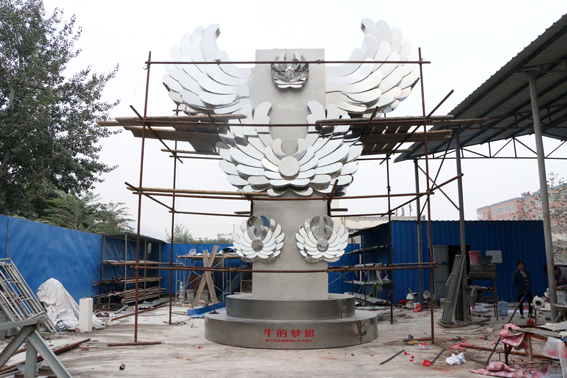 不锈钢雕塑制作过程